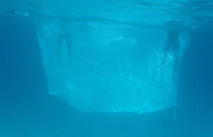 Profundidad piscina anti medusas